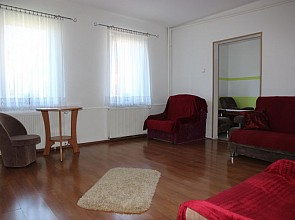 "Nocleg w Rewalu - Apartament ""u Denisa"""