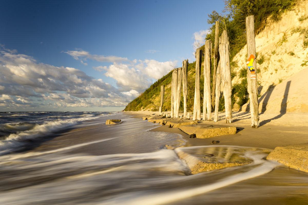 Klif i plaża w Wolińskim Parku Narodowym