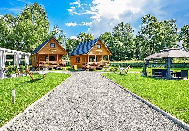 Drewniane domki wypoczynkowe w górach