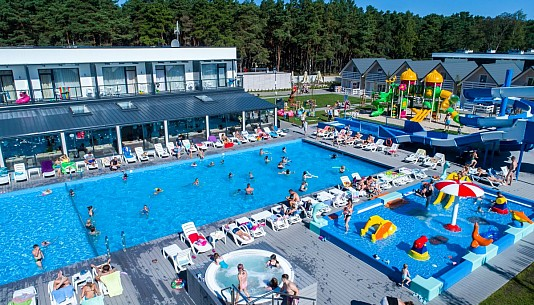 Holiday Park & Resort Rowy - noclegi Rowy